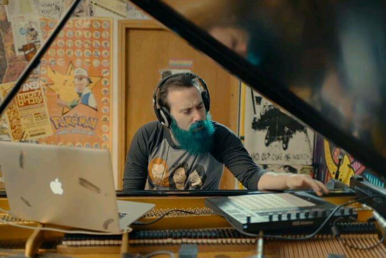 Музыкант заставил фортепиано звучать как гитара ради соло изHotel California