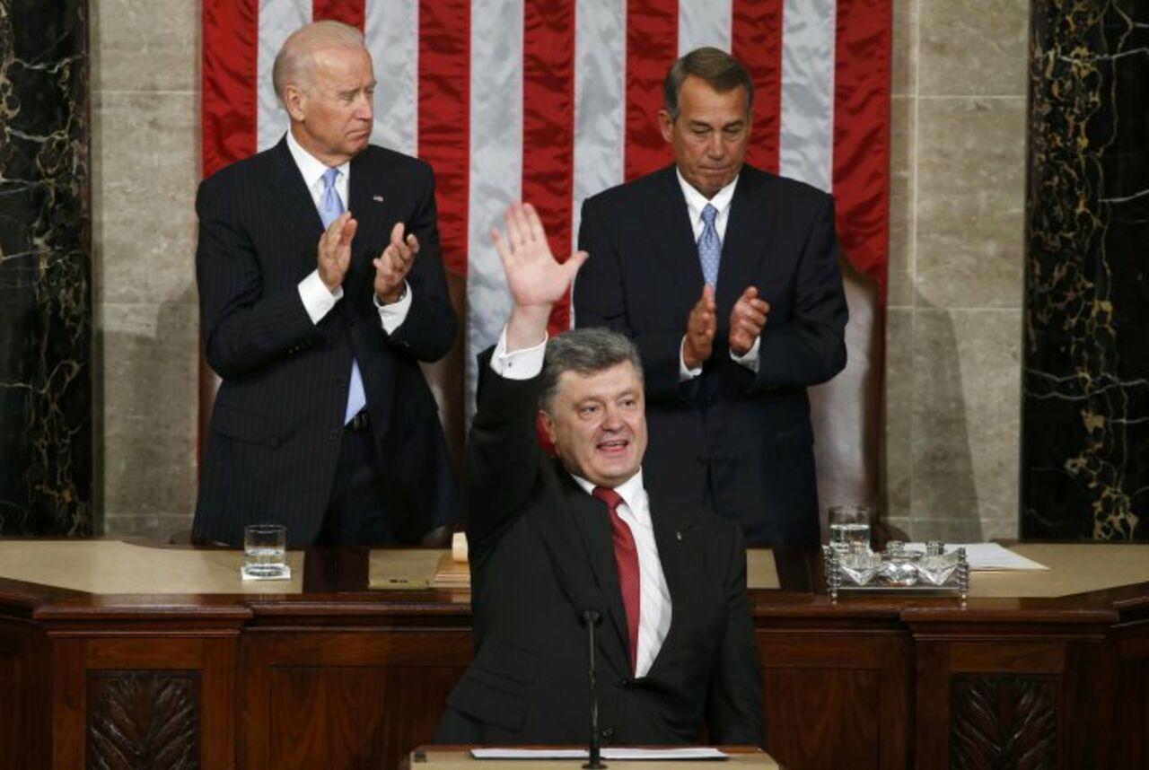 Порошенко: сенат США поддержал выделение $500 млн наоборону государства Украины