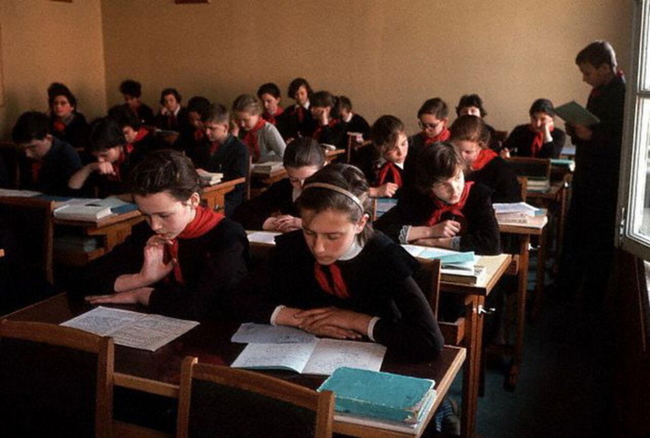 Вновосибирской школе отыскали капсулу спосланием потомкам