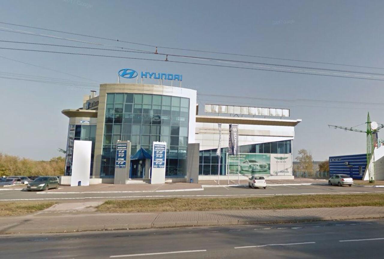 Салон Хёндай наОктябрьском продан за67 млн. руб.