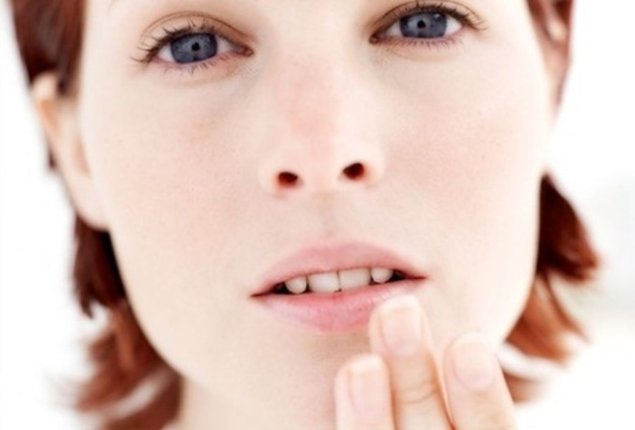 Как убрать простуду на губе за один день в домашних условиях
