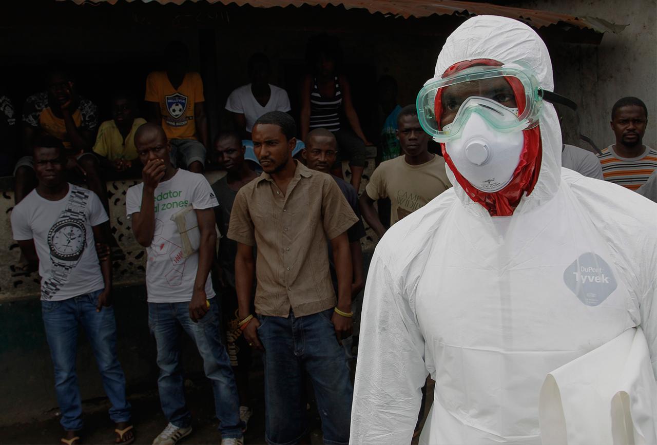 Тесты вГвинее показали 100% эффективность вакцины отЭболы