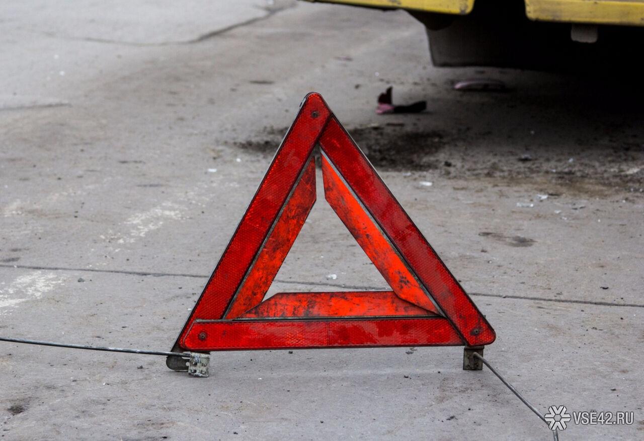 ВКемерове наЮжном шофёр Тойота сбил женщину назебре