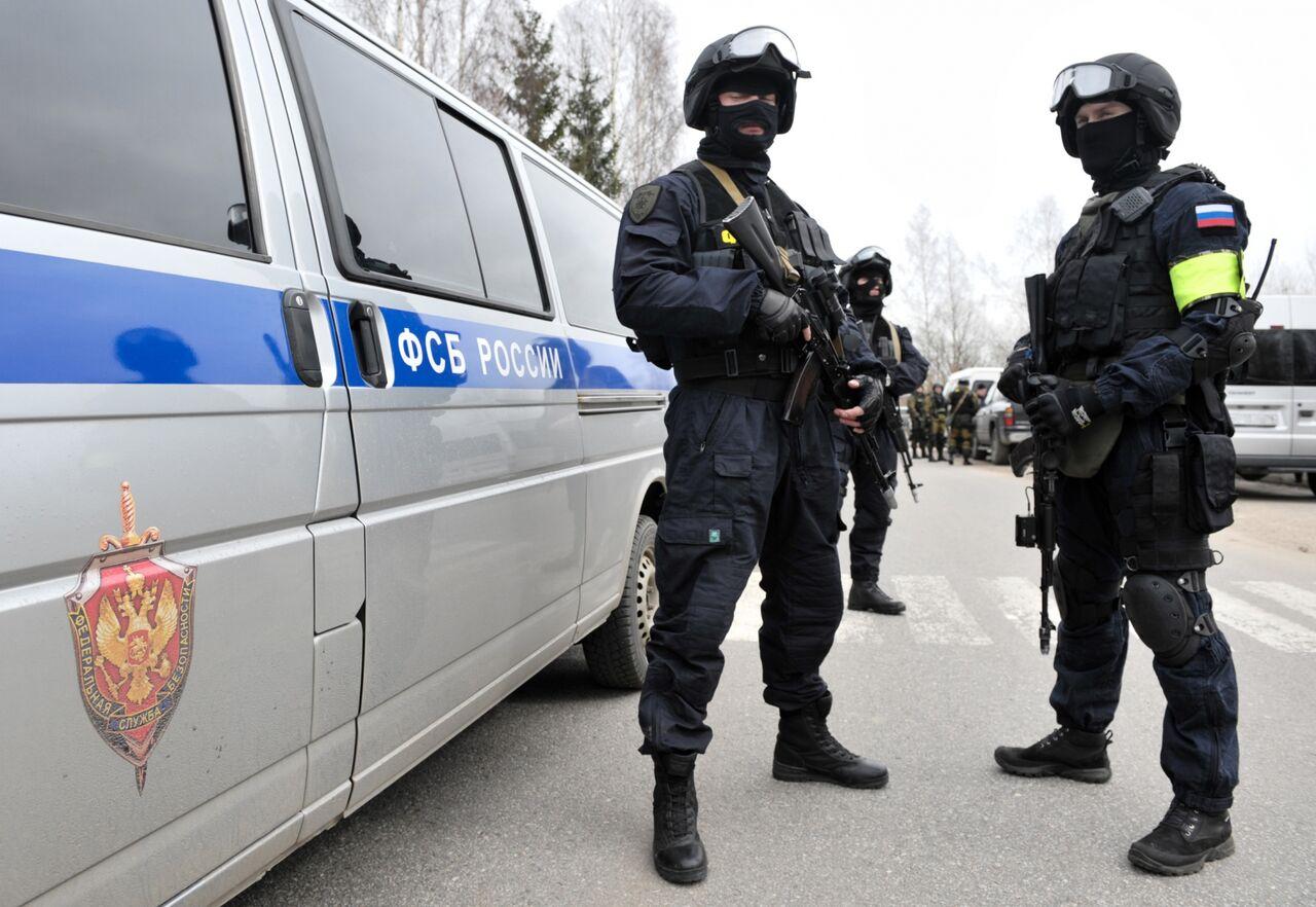 ФСБ и Росгвардия задержали в Калининграде 12 исламских боевиков