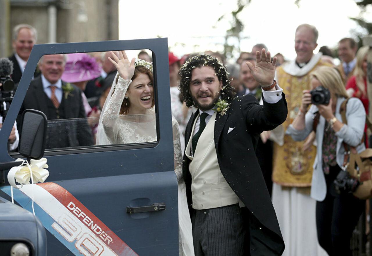 Звёзды сериала «Игра престолов» поженились вШотландии