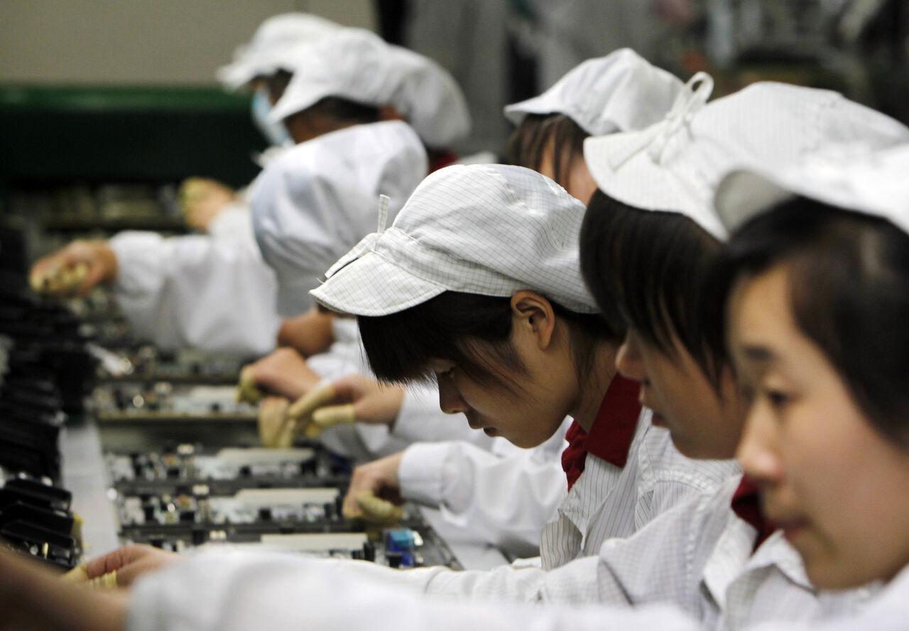 Рабочие китайского подрядчика Apple пожаловались наотсутствие туалетов инаушников