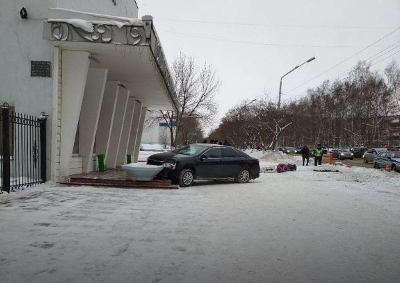 Один человек умер ипятеро пострадали вДТП накузбасской трассе