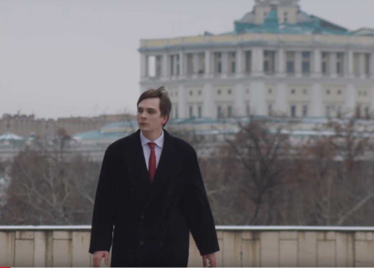 Слава КПСС «метит» наместо Путина