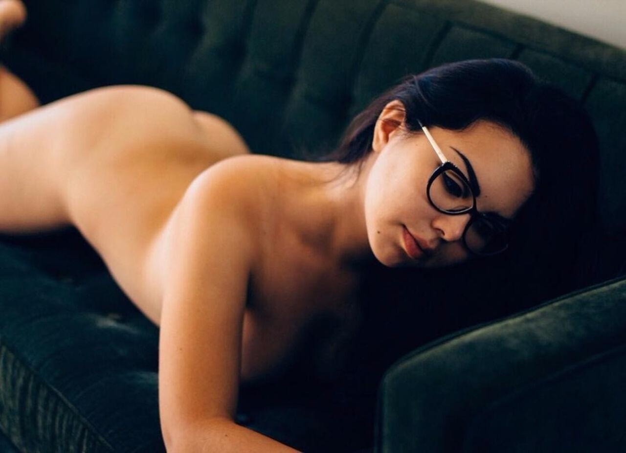 Кемеровчанка бросила учёбу ради эротической карьеры вСША