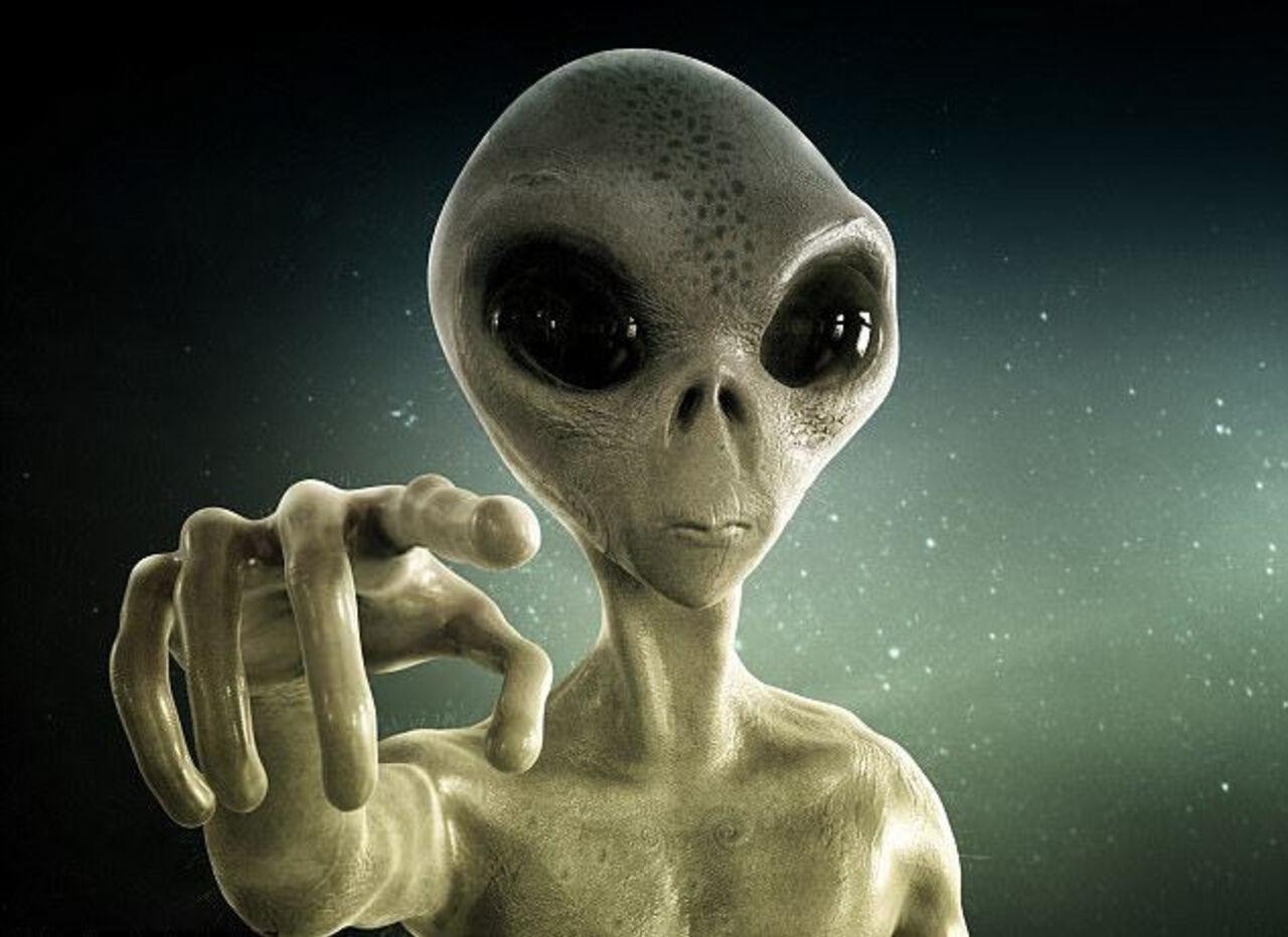 Русский уфолог отыскал НЛО наамериканских фотографиях сЛуны