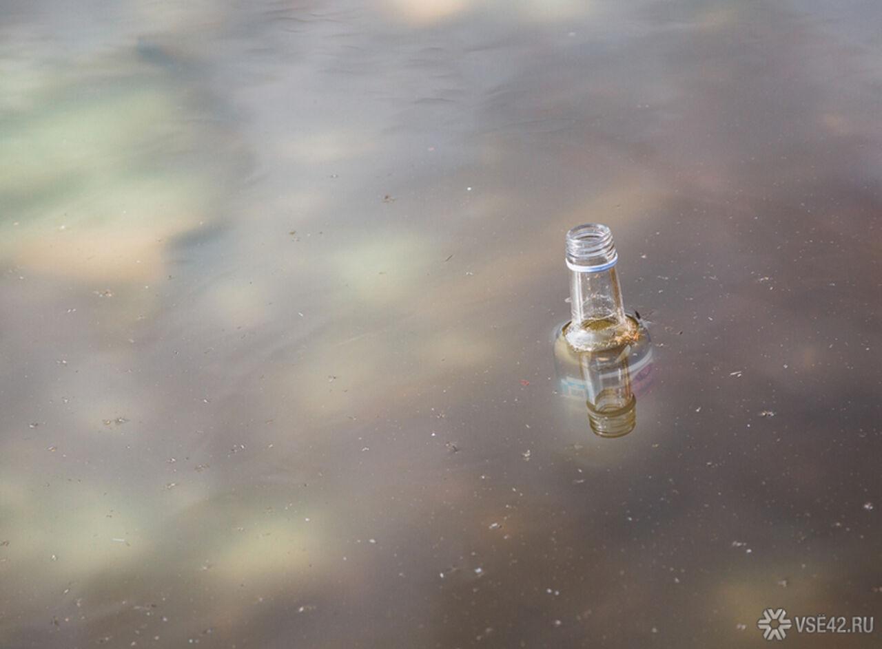 Партии виски производства Абсолютного бойцовского чемпиона Конора Макгрегора вылили сотрудники паба в сортир в штате Флорида