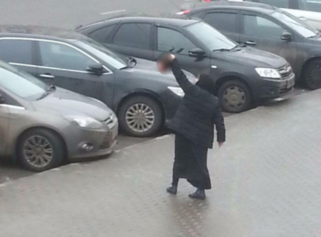 Женщина которая отрезала голову ребенку фото