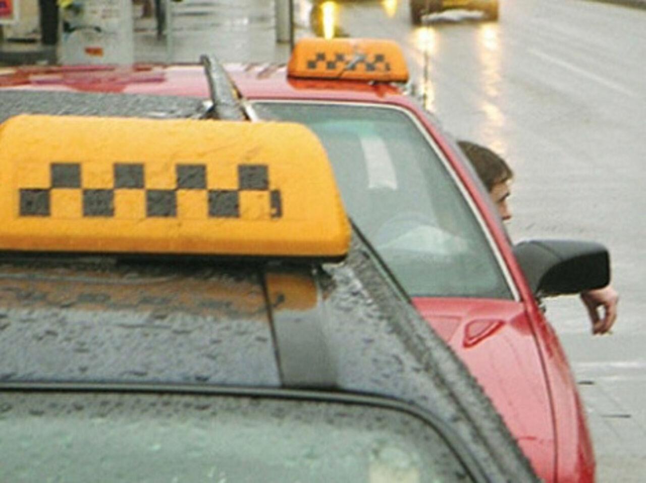 Таксист разводит девушку 28 фотография