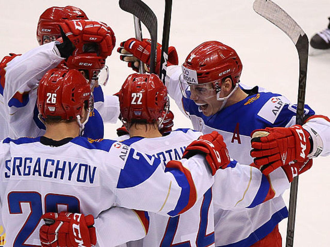 Русская хоккейная молодежка разгромила Латвию начемпионате мира