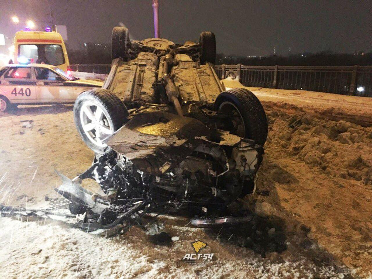 5 человек пострадали вжутком ДТП наОктябрьском мосту