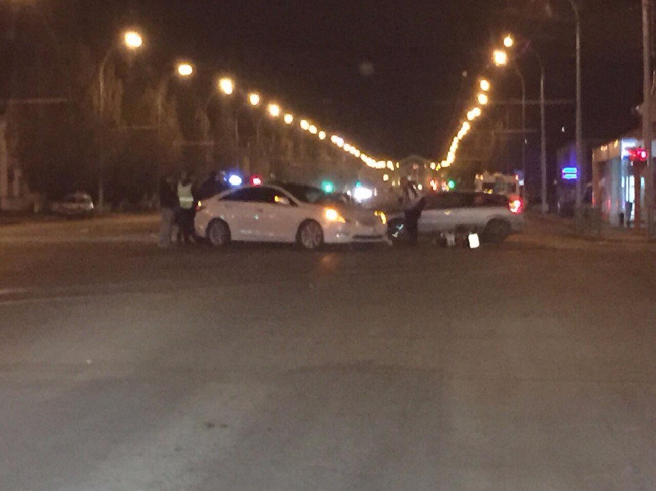 Фото: ночью в Кемерове байкер столкнулся с иномаркой