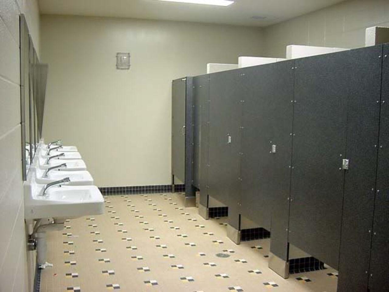 Смотреть женский туалем медецинском училище онлаин 24 фотография