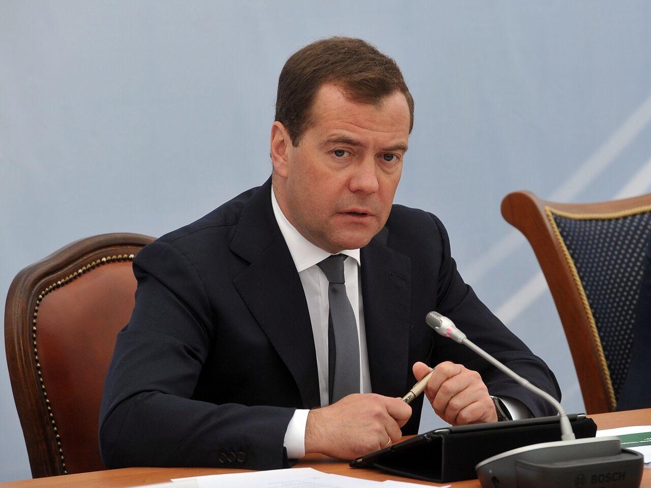 Новый перл Медведева: попросил «нерассказывать отрудностях»