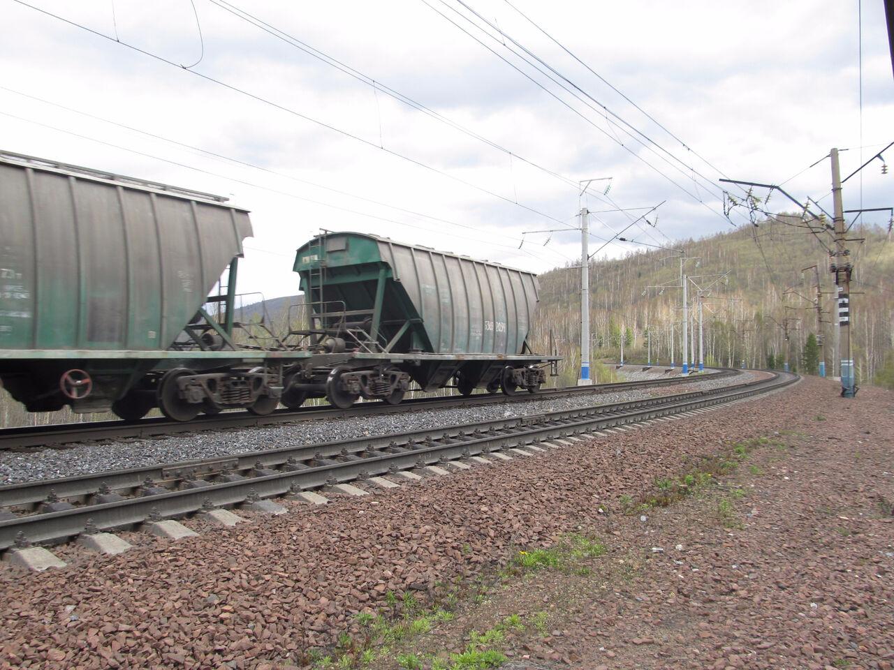 ВХакасии рыбак удочкой зацепил кабеля железной дороги и умер