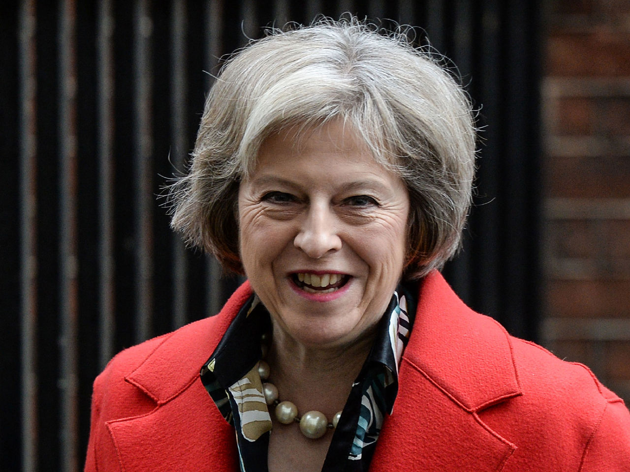 Кожаные штаны Терезы Мэй возмутили британцев