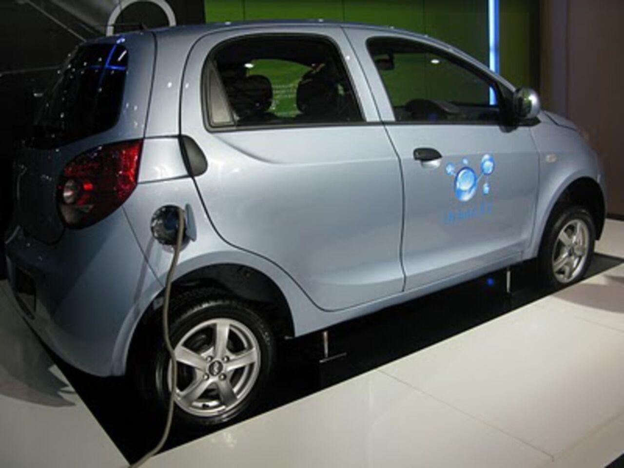 КНР вчетверо увеличит производство авто нановых источниках энергии