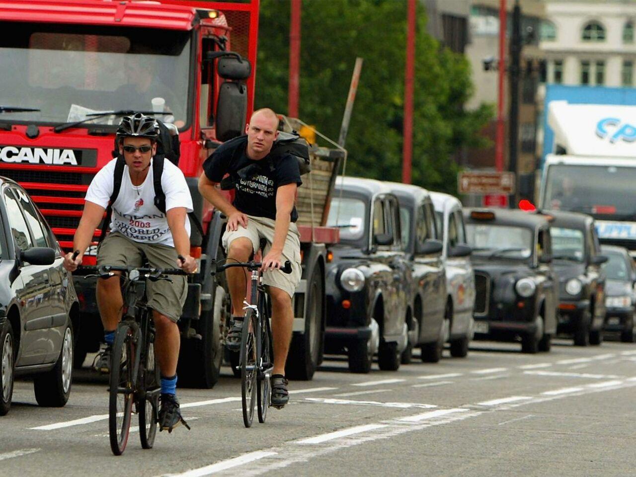 Британский парламентарий обвинил велосипедистов взагрязнении воздуха