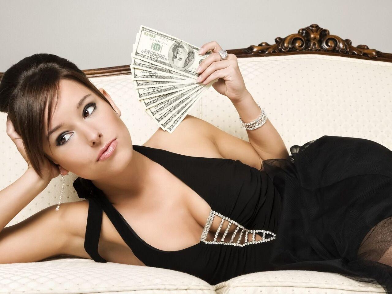 Ученые узнали, каких мужчин женщины выбирают впроцессе финансового кризиса