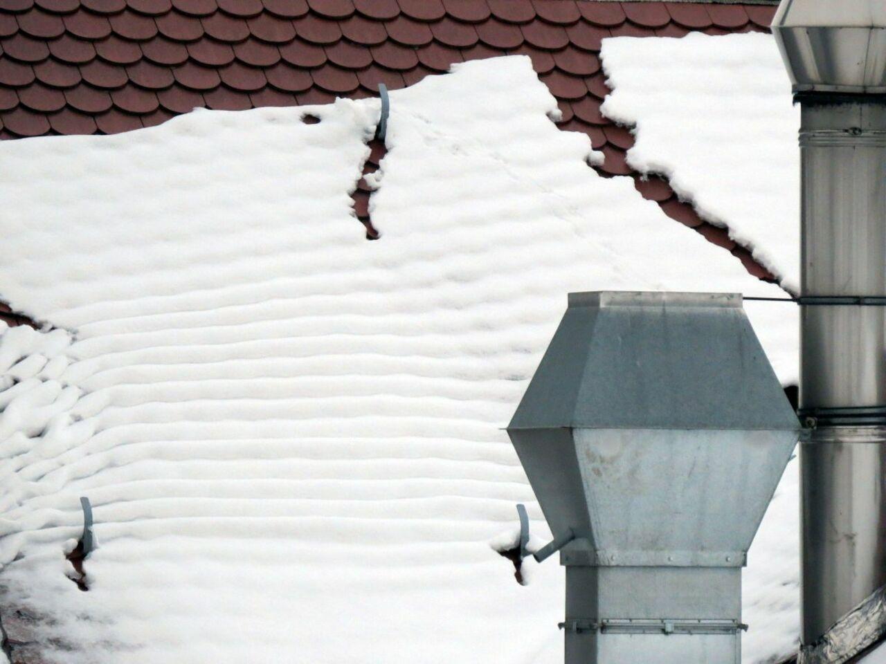 6-летний ребёнок умер при сходе снега скрыши вБашкирии