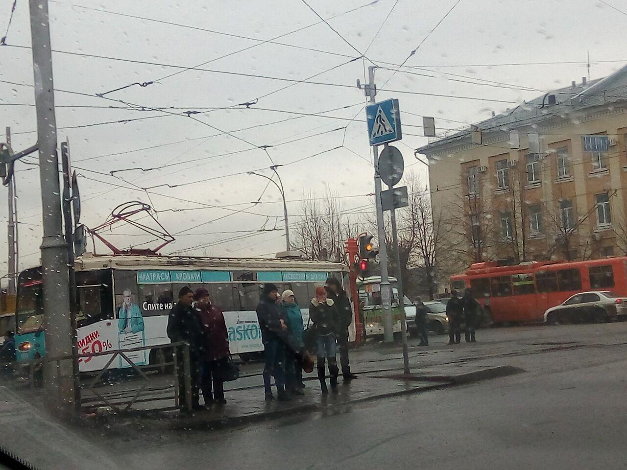 ВКурске трамвай сошел срельсов: есть пострадавшие