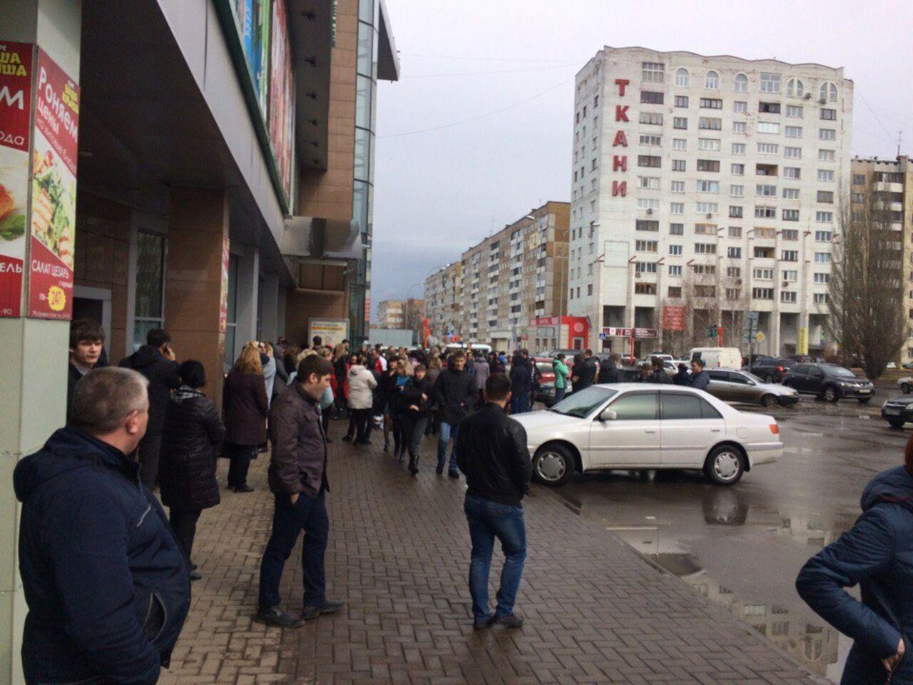 Вобластной столице эвакуировали торговый центр из-за подозрительного предмета