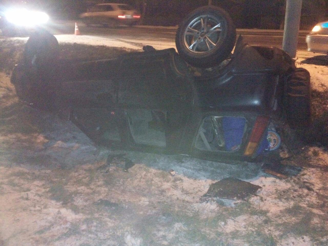 Печальное ДТП вКузбассе: джип спассажирами слетел с дороги