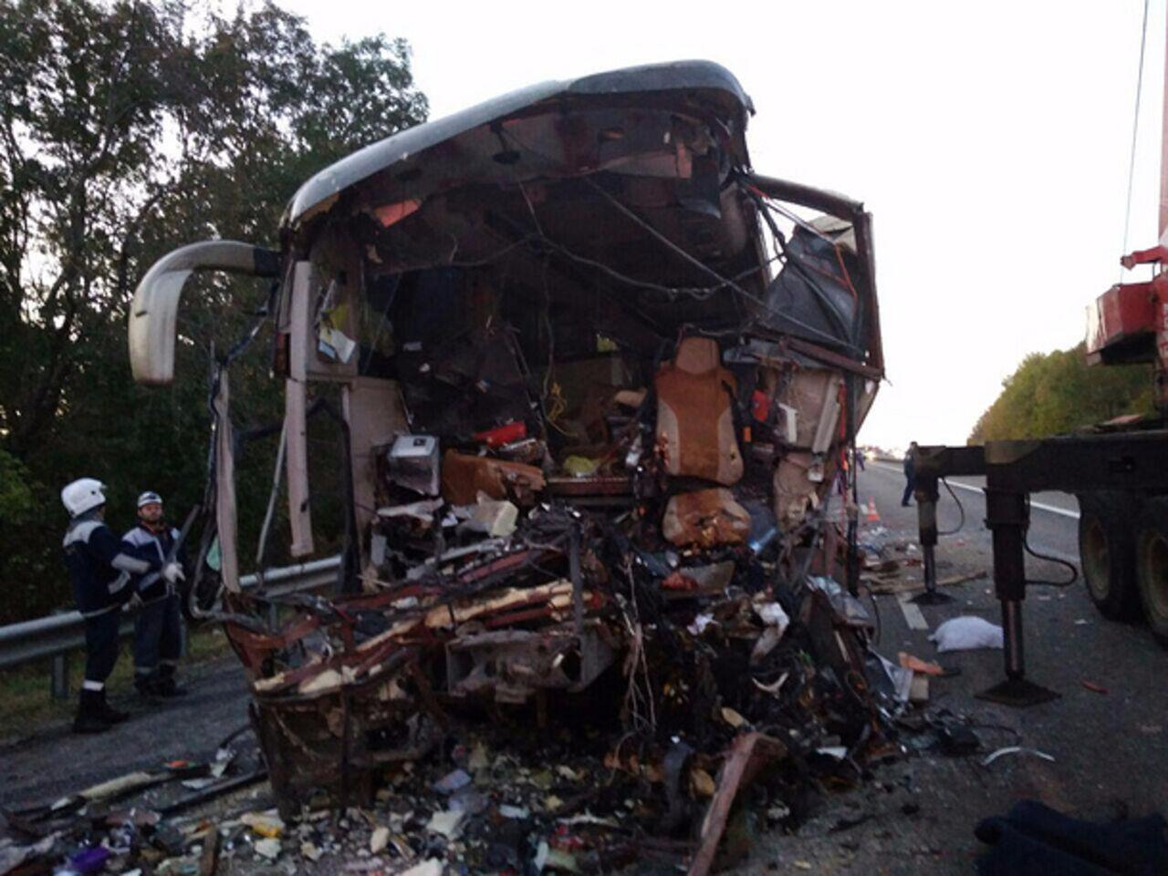 Названа причина трагедии сучастием автобуса и фургона наКубани