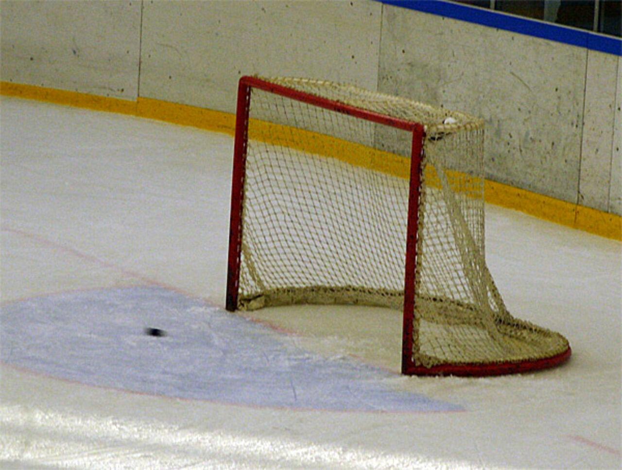 «Северсталь» переиграла навыезде новокузнецкий «Металлург» вматче чемпионата КХЛ