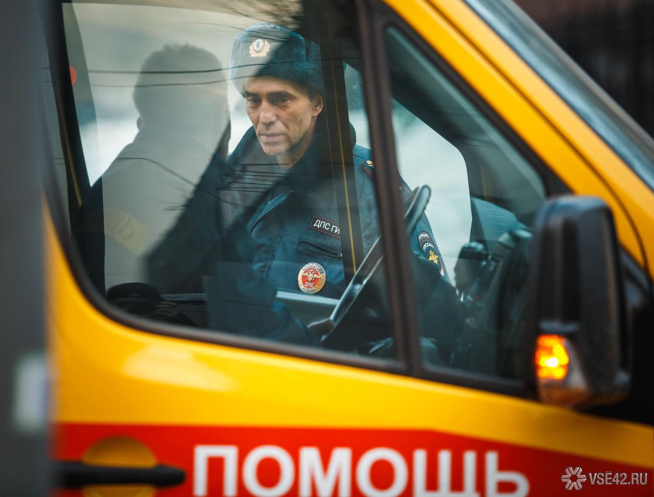 Кузбассовец упал сбалкона 5-ого этажа ивыжил