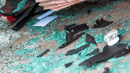 Водитель перевернувшегося в Кузбассе грузовика получил травмы