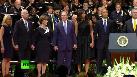 Американцев возмутил танец Буша-младшего напоминальной церемонии вДалласе
