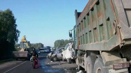 Под Новосибирском вгустом тумане столкнулись 12 машин, пострадали двое