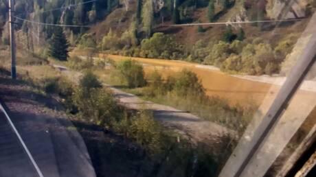 Река вСибири пожелтела повине золотодобытчиков