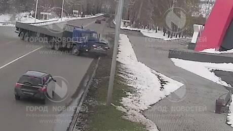 ВНовокузнецке будут судить водителя «КамАЗа», протаранившего Ниссан навъезде вгород