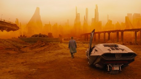 Вweb-сети интернет размещен трейлер фильма «Бегущий полезвию 2049»