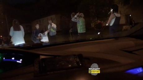 Жестокая массовая драка вКировском районе Кемерова угодила навидео