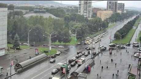 Накузбасской трассе столкнулись КамАЗ иMercedes