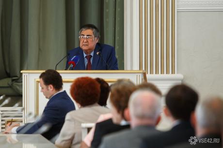 Губернатор Кемеровской области Аман Тулеев запретил коллекторов
