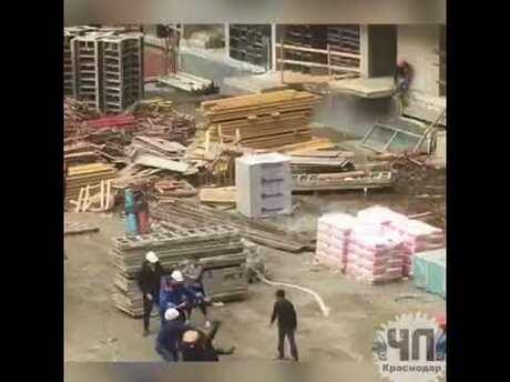 Массовую драку рабочих настройке запечатлели свидетели навидео вКраснодаре