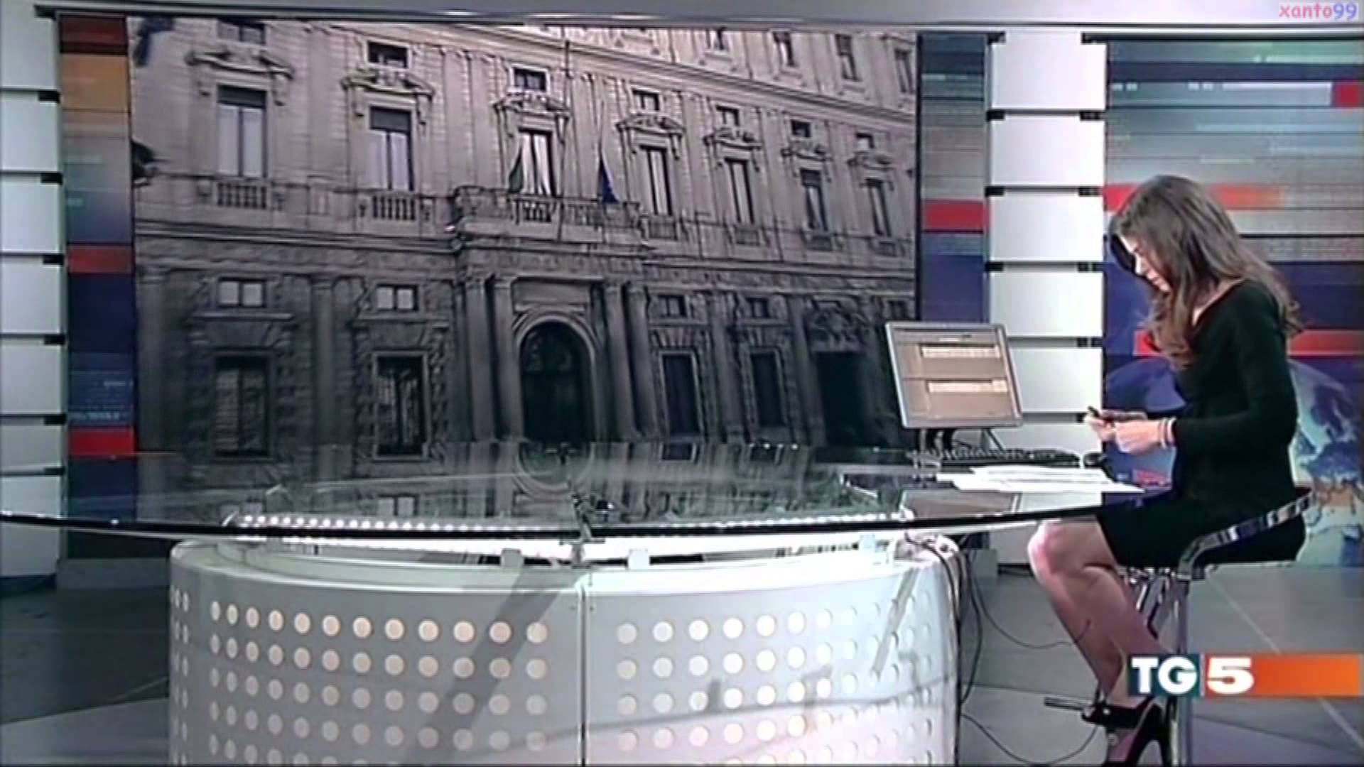 Телеведущая без трусов в прямом эфире 10 фотография