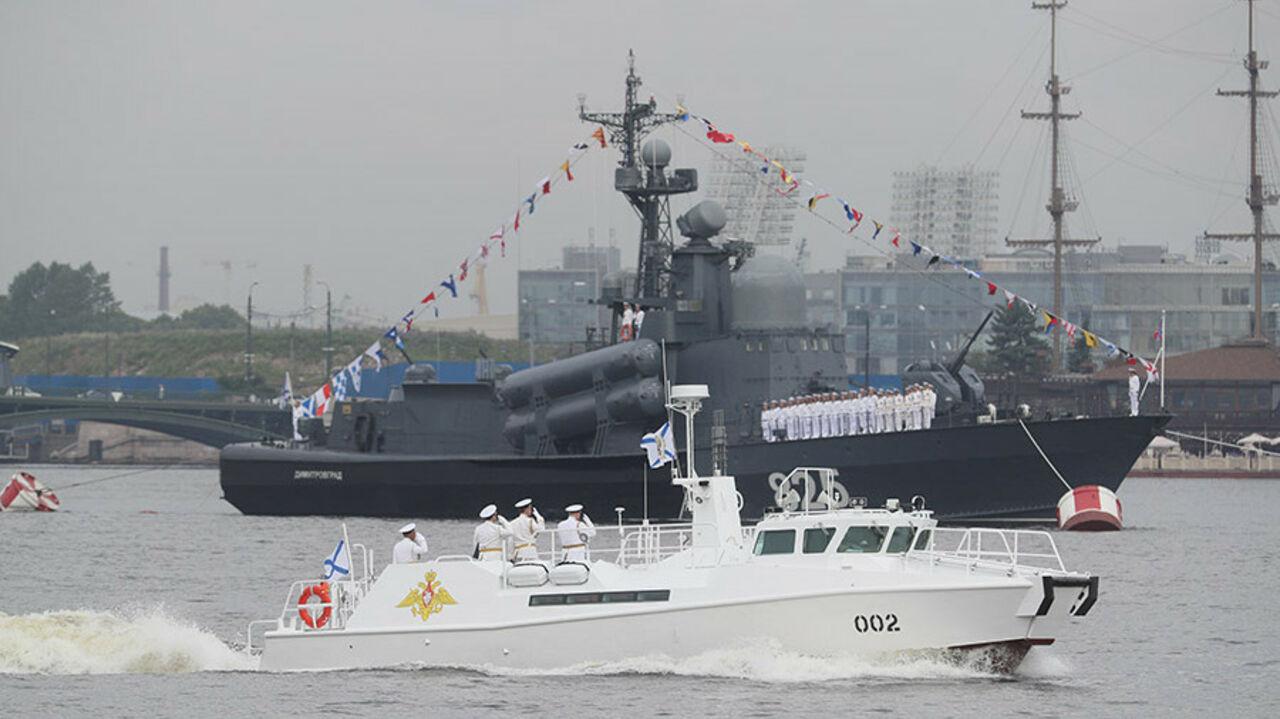 Штурмовые, противодиверсионные и ... парадные катера нашего флота на импортной базе
