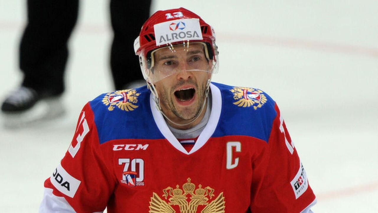Нападающий СКА Павел Дацюк выбран в качестве капитана хоккейной команды России на Олимпийских играх в Пхенчхане. Об этом пишет'Интерфакс
