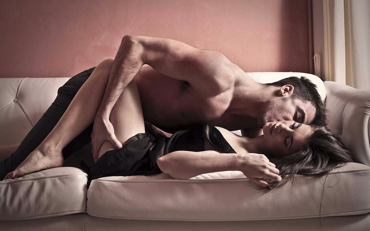 Сексологи установили связь между частотой секса и длительностью жизни