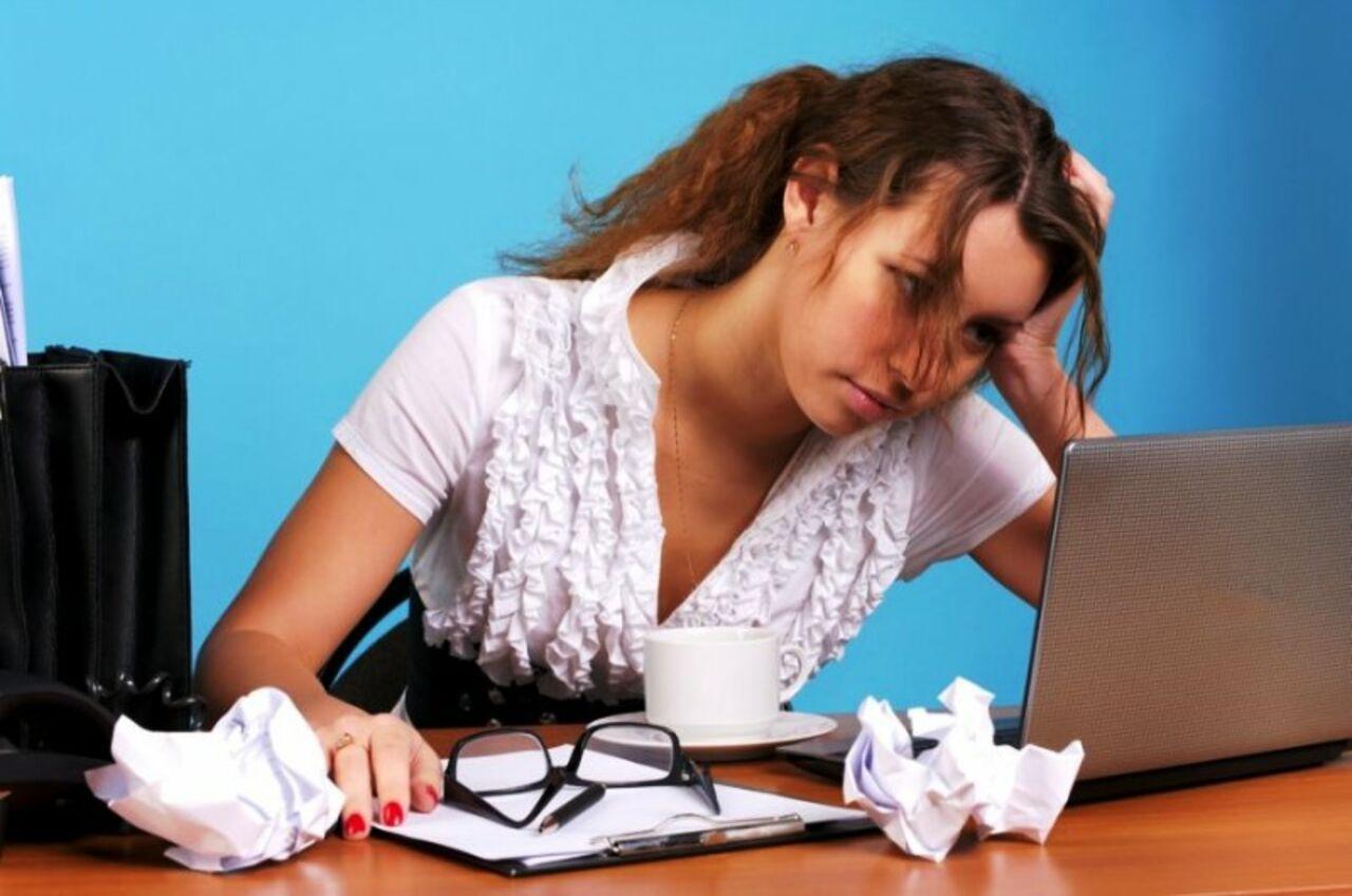 Прикольные словами, картинки женщина устала от работы
