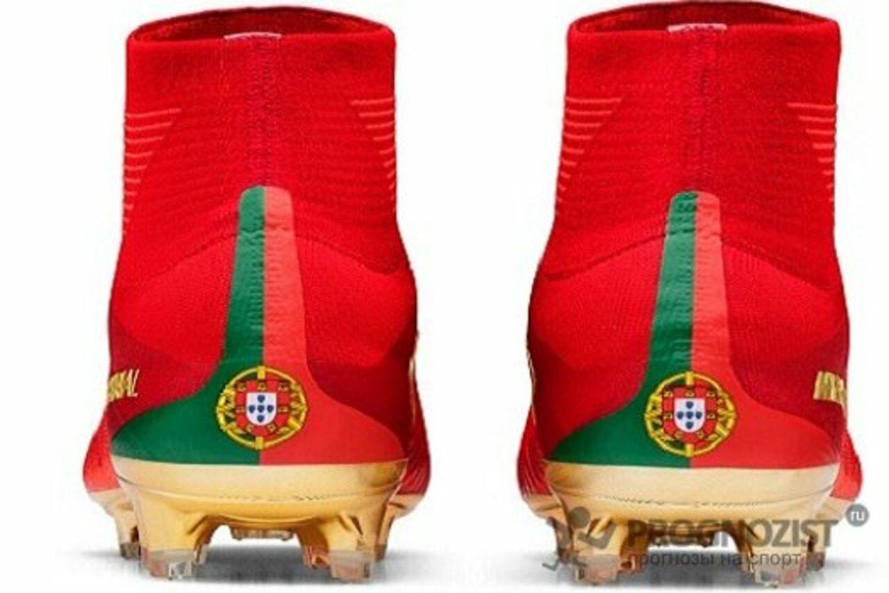 96cb1f98 Nike показал новые бутсы, в которых Криштиану Роналду сыграет на Кубке  конфедераций-2017.